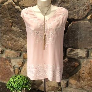 Knox Rose Embroidered Top!
